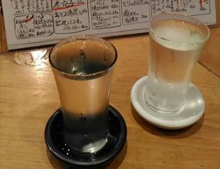 ひでぞう グラスに入った日本酒 而今(450円) 大信州(400円)