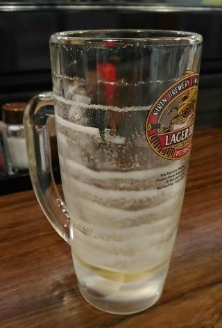 まきし亭 生ビール 泡の層