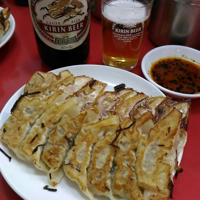 餃子の皮は薄く優しい味です「餃子専門店イチロウ」(神戸三宮)