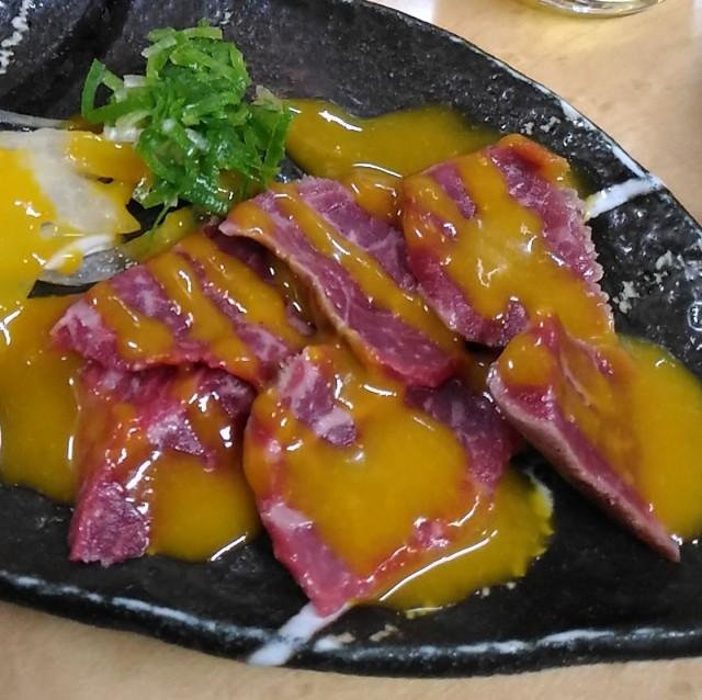 和牛タタキウニソース(350円)は安旨です「立ち呑み処 和」立ち飲み(大阪梅田)